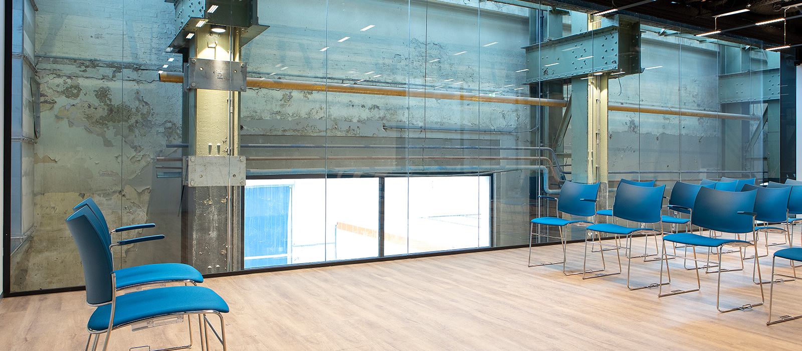 Vitriwand-project-LocHal-Tilburg-017